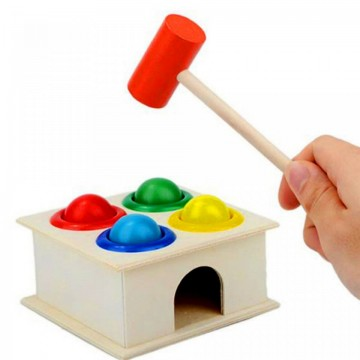 Jucarie Casuta din lemn cu bile si ciocan, cutia permanentei.Jucarii si Jocuri Montessori din lemn.